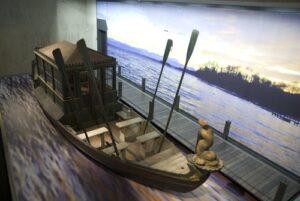 """Das historische Prunkschiff """"Delphin"""" im Museum Starnberger See"""